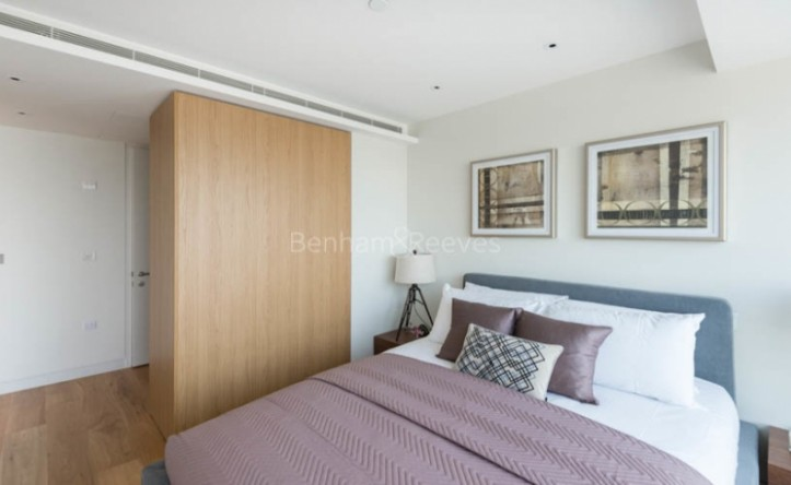 1 Bedroom flat to rent in Canaletto Tower, City Road, EC1V