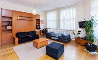 picture of Studio flat in  Theobalds Road, Bloomsbury, WC1X