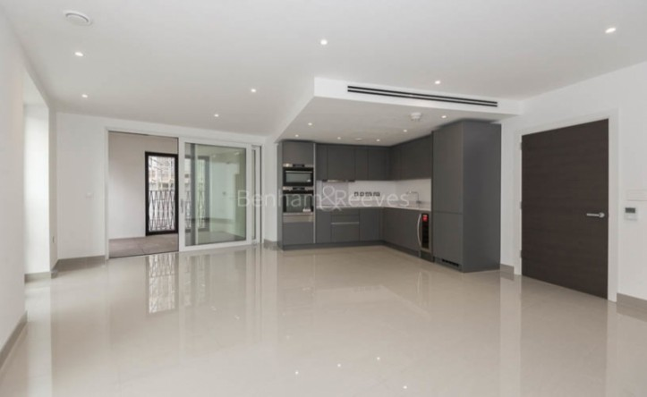 2 Bedroom flat to rent in Delphini Apartments, St George Circus, London, SE1