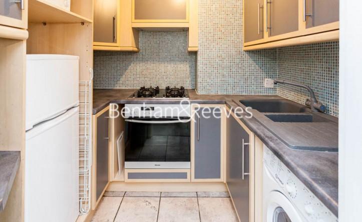 2 Bedroom flat to rent in Bevan House, Boswell Street, WC1N