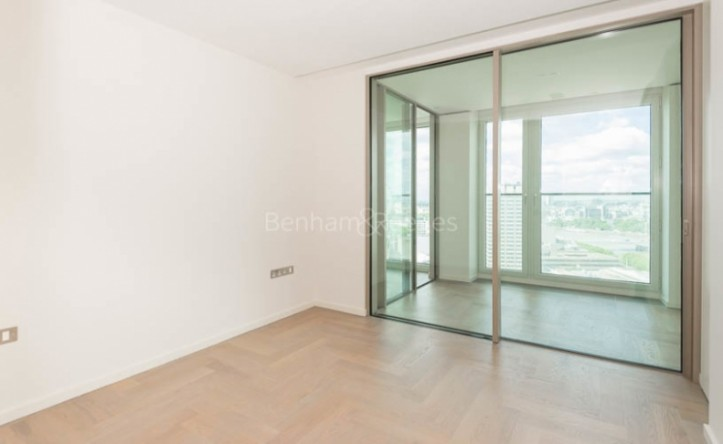 2 Bedroom flat to rent in Upper Ground, Southbank, SE1