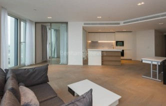 picture of 2 Bedroom(s) flat in  Southbank Tower, Upper Ground, SE1