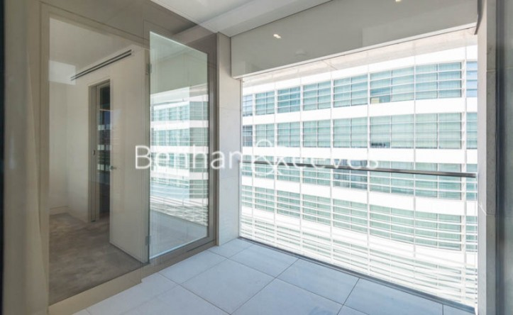 1 Bedroom flat to rent in Sugar Quay, 1 Water Lane, EC3R