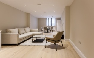 picture of 2 Bedroom(s) flat in  Bell Yard, City, WC2A
