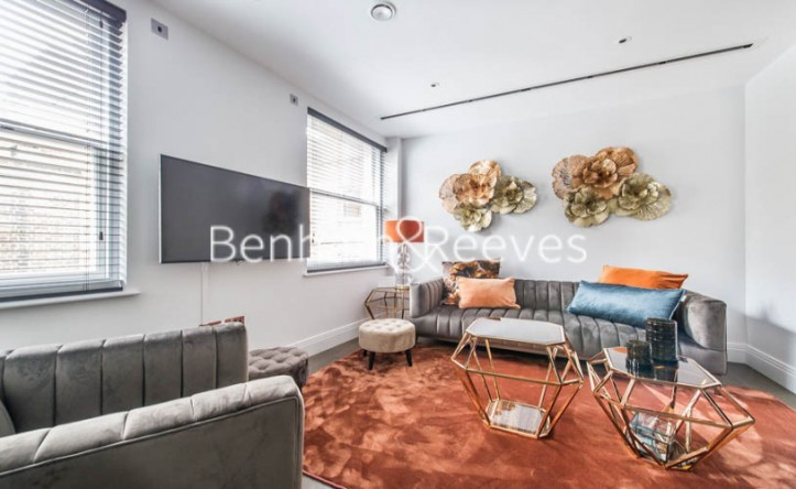 2 Bedroom flat to rent in Aldwych, City, WC2A