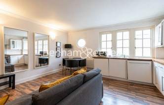 picture of 2 Bedroom(s) flat in  Tavistock Place, Bloomsbury, WC1