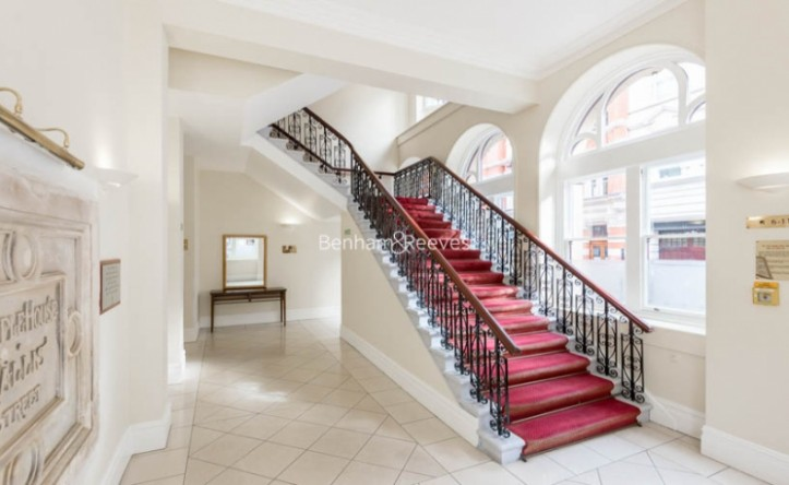 2 Bedroom flat to rent in Temple House, Temple Avenue, EC4Y