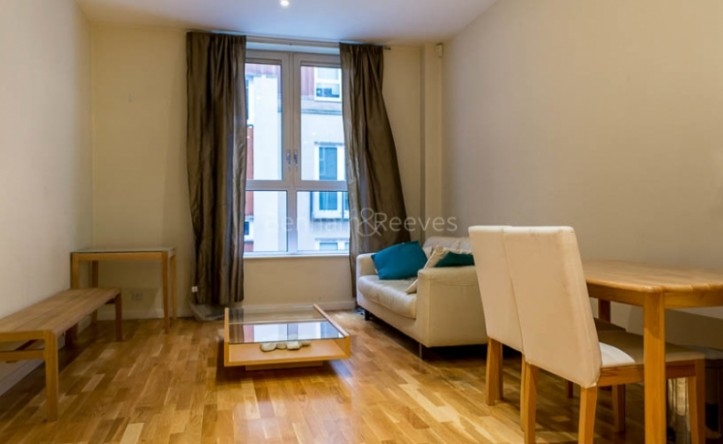 1 Bedroom flat to rent in Hosier Lane, Holborn, EC1