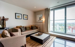 picture of Studio flat in  Pan Peninsula West, Canary Wharf, E14