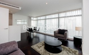 picture of 2 Bedroom(s) flat in  Pan Peninsula West Tower, Pan Peninsula Square, E14