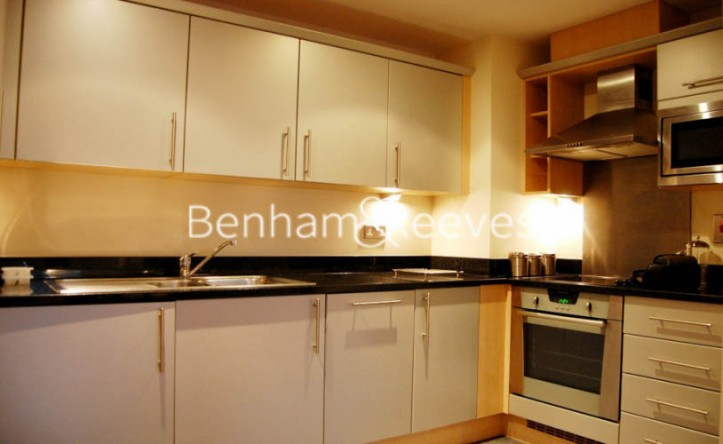 1 Bedroom flat to rent in Lime House Court, Canary Wharf, E14
