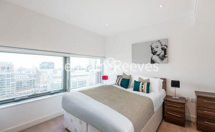 2 Bedroom flat to rent in Landmark East, Marsh Wall, E14