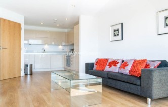 picture of 2 Bedroom(s) flat in  Aqua Vista Square, Bow, E3