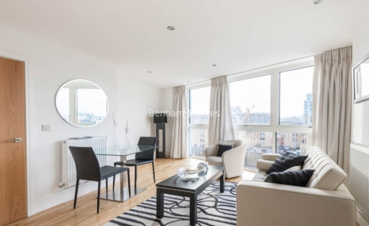 1 Bedroom flat to rent in Dowells Street, Canary Wharf, SE10