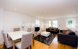 picture of 3 Bedroom(s) flat in  Fairthorn Road, Greenwich, SE7