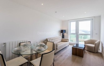 picture of Studio flat in  Ottley Drive, Canary Wharf, SE3
