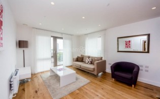picture of 1 Bedroom(s) flat in  Barking Road, Canning Town, E16
