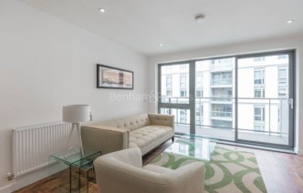 picture of 1 Bedroom(s) flat in  Upper North Street, Canary Wharf, E14