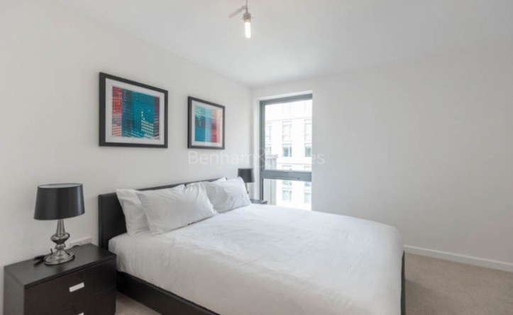1 Bedroom flat to rent in Mellor House, Canary Wharf, E14