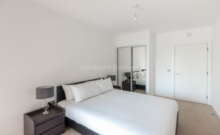 1 Bedroom flat to rent in Hallsville Quarter, Canning Town, E16