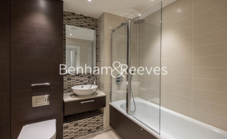 2 Bedroom flat to rent in Unex Tower, Stratford, E15