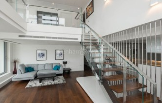 picture of 3 Bedroom(s) flat in  Pan Peninsula, Canary Wharf, E14