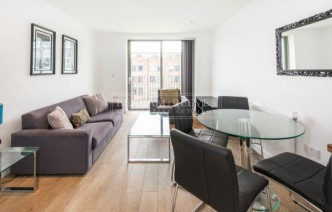 picture of 1 Bedroom(s) flat in  Essian Street, Mile End, E1