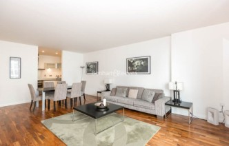 picture of 2 Bedroom(s) flat in  South Quay Square, Canary Wharf, E14