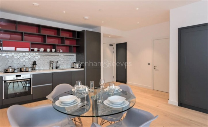 1 Bedroom flat to rent in Grantham House, Botanic Square, E14
