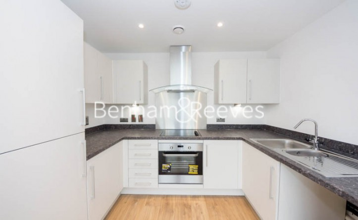 1 Bedroom flat to rent in Royal Dockside, Beckton, E16