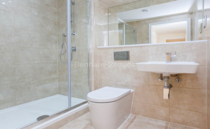 2 Bedroom flat to rent in Canary Gateway, Canary Wharf, E14