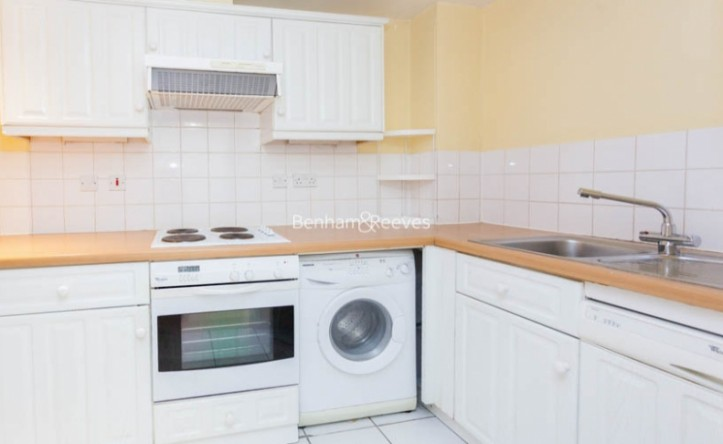 2 Bedroom flat to rent in Kelly Court, Garford Street, E14