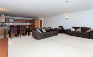 picture of 3 Bedroom(s) flat in  Marmara Apartments, Canary Wharf, E16