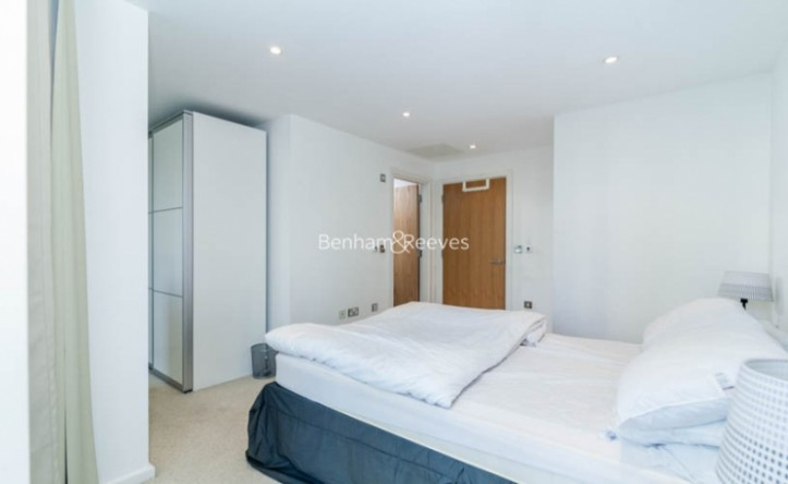 1 Bedroom flat to rent in Ability Place, Canary Wharf, E14