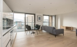 picture of 2 Bedroom(s) flat in  East Ferry Road, Canary Wharf, E14