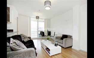 picture of 2 Bedroom(s) flat in  LimeHouse, Canary Wharf, E14