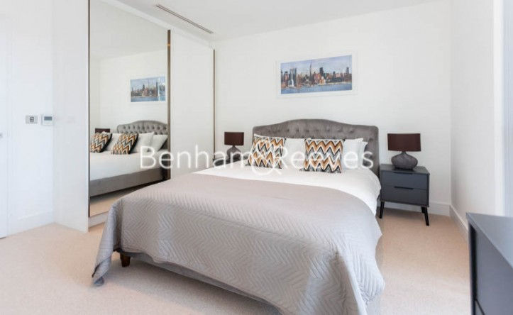 1 Bedroom flat to rent in Maine Tower, Harbour Way, E14