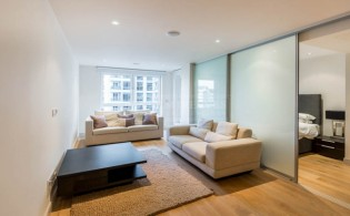 picture of Studio flat in  Imperial Wharf, Fulham, SW6
