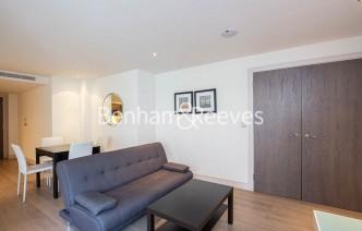 picture of Studio flat in  Park Street, Fulham, SW6
