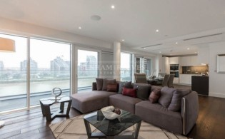 picture of 2 Bedroom(s) flat in  Central Avenue, Fulham, SW6