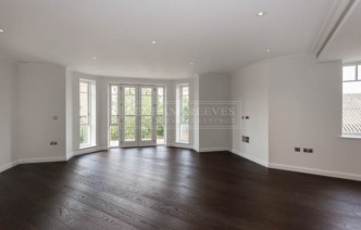 picture of 2 Bedroom(s) flat in  Broomhouse Lane, Fulham, SW6