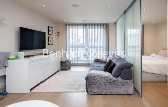 picture of Studio flat in  Townmead road, Imperial Wharf, SW6