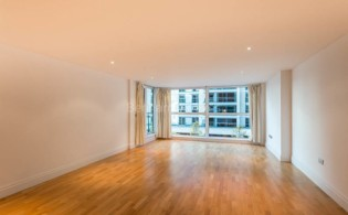 picture of 3 Bedroom(s) flat in  The Boulevard, Fulham, SW6