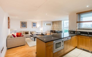 picture of 2 Bedroom(s) flat in  Thames Point,The Boulevard, SW6