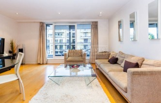 picture of 2 Bedroom(s) flat in  Aspect court, Imperial Wharf, SW6