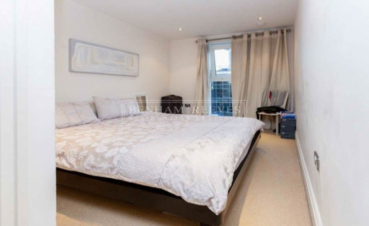 2 Bedroom flat to rent in Aspect court, Imperial Wharf, SW6