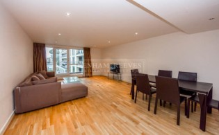 picture of 3 Bedroom(s) flat in  Lensbury Avenue, Fulham, SW6