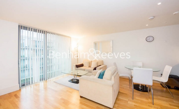 1 Bedroom flat to rent in Highbury Stadium Square, Highbury, N5