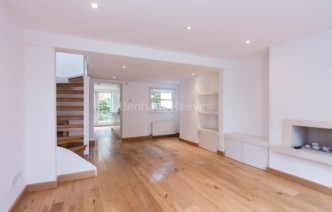 picture of 2 Bedroom(s) flat in  Castle Yard, Highgate, N6