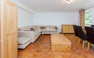 picture of 3 Bedroom(s) flat in  Shepherds Hill, Highgate, N6
